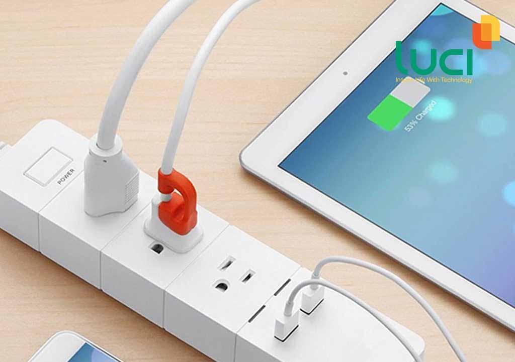 Ổ điện thông minh giúp các thiết bị điện tử không bị chai pin khi sạc