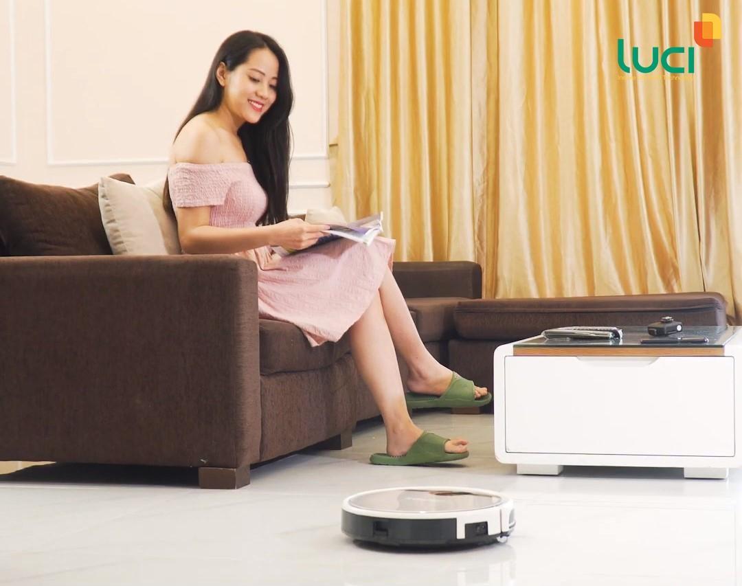 Robot lau nhà thông minh giúp bảo vệ sức khỏe gia đình